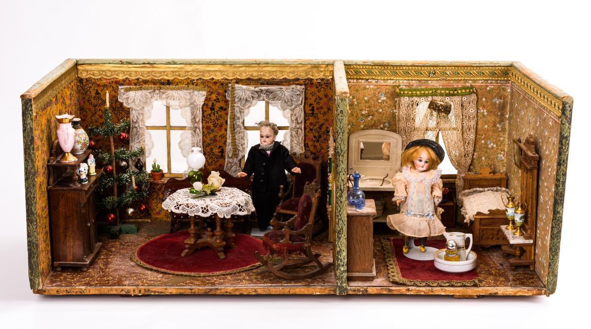 2-Raum-Puppenstube mit Gründerzeitmöbeln